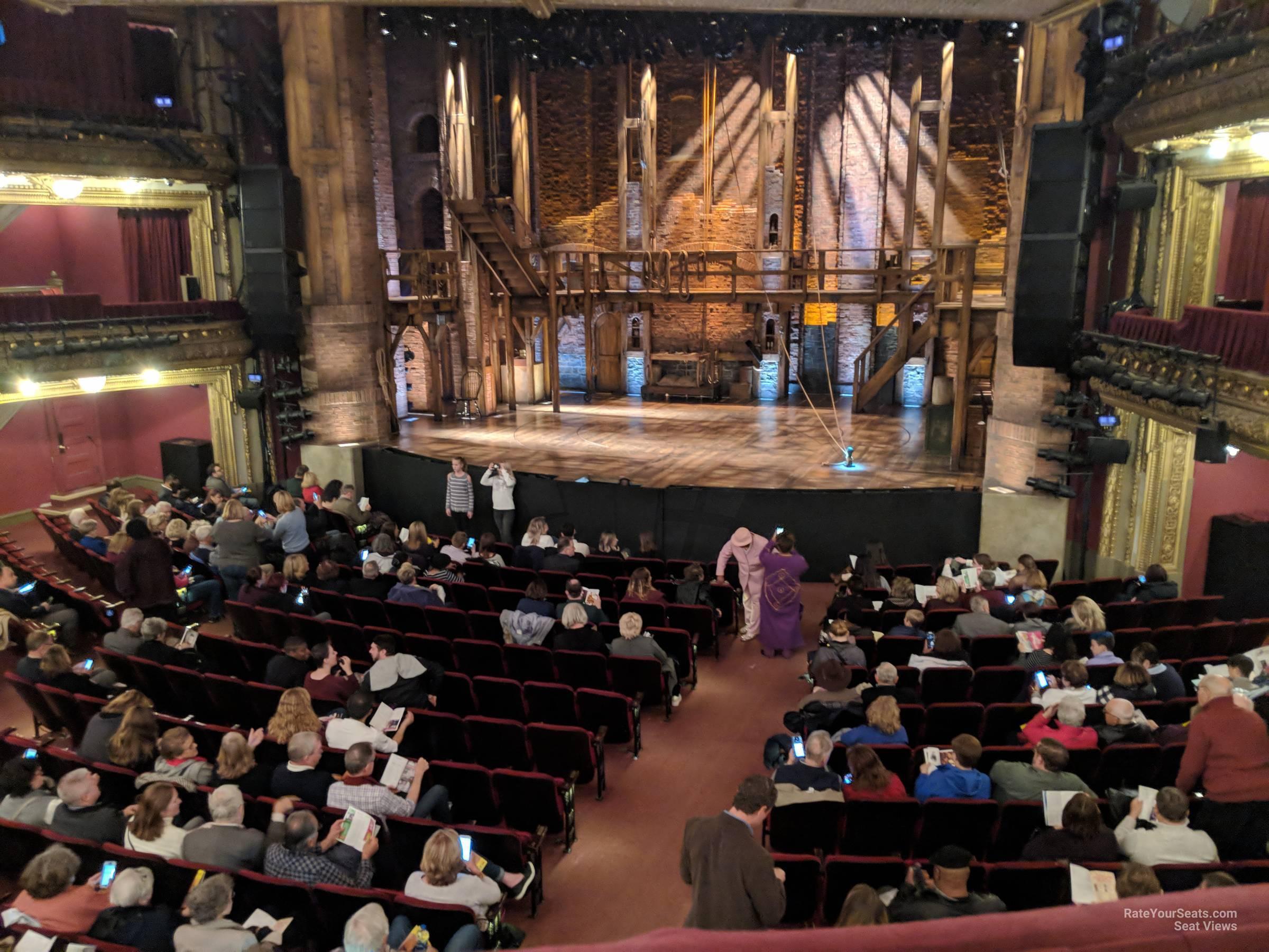 theater vs theatre pronunciation